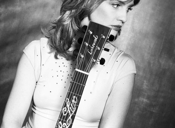 Christina Lux – Embrace –  Acoustic Soulfolk Songs am 13. Mai im KulturGUT