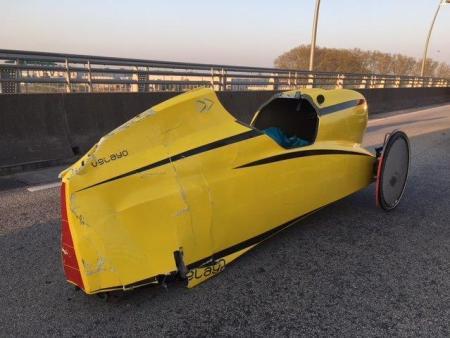 Das beschädigte Velomobil. (Foto: Polizei Worms)