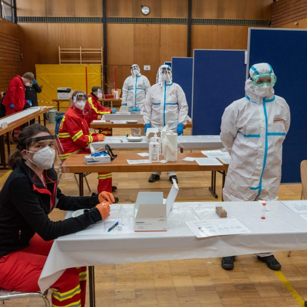 Corona: DLRG Oppenheim startet Schnelltest-Zentrum in Dienheim
