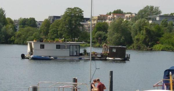 WiR – Wohnen in der Rummelsburger Bucht Nachbarschaftsverein – Interview mit Seebewohner Jan Ebel – Hausboote auf dem Rummelsburger See