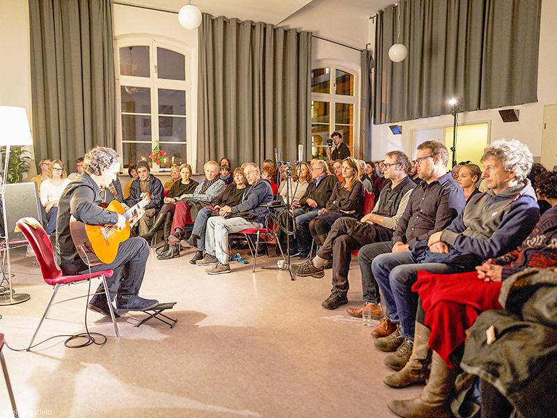 WiR – Wohnen in der Rummelsburger Bucht Nachbarschaftsverein – buchtkonzert 02 - Ferenc Snétberger_00011