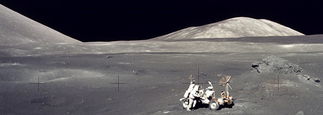 Apollo 17 (image via NASA, public domain)