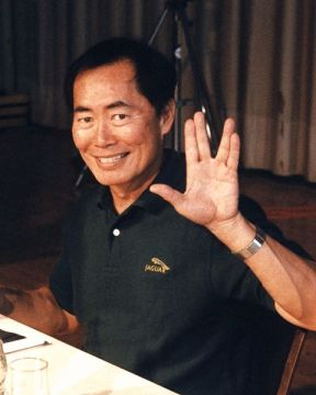 George Takei doing Vulcan salute at UFP Con One, 1996