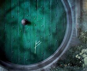 The rune scrawled by Gandalf on Bilbo's door.