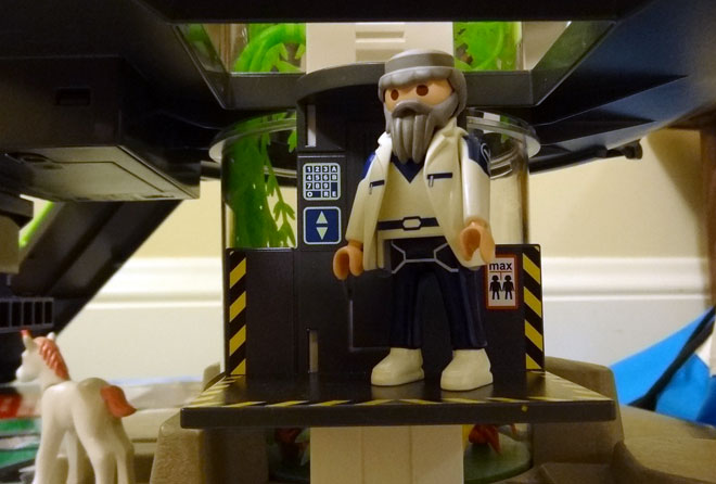Playmobil elevator