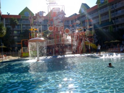 Nickelodeon Suites Lagoon Water Park