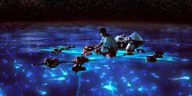 https://i1.wp.com/www.wired.com/images_blogs/underwire/2012/11/Life-of-Pi-Bioluminescent-Water.jpg