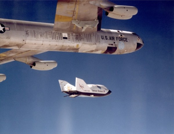 NASA's Scrubbed Escape Pod Glides to New Home | WIRED
