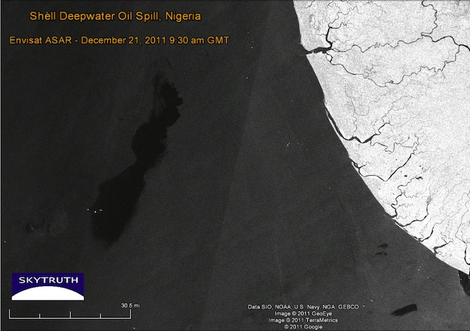 Image: Oil slick covers 356 square miles off the coast of Nigeria. (Envisat SAR/SkyTruth).