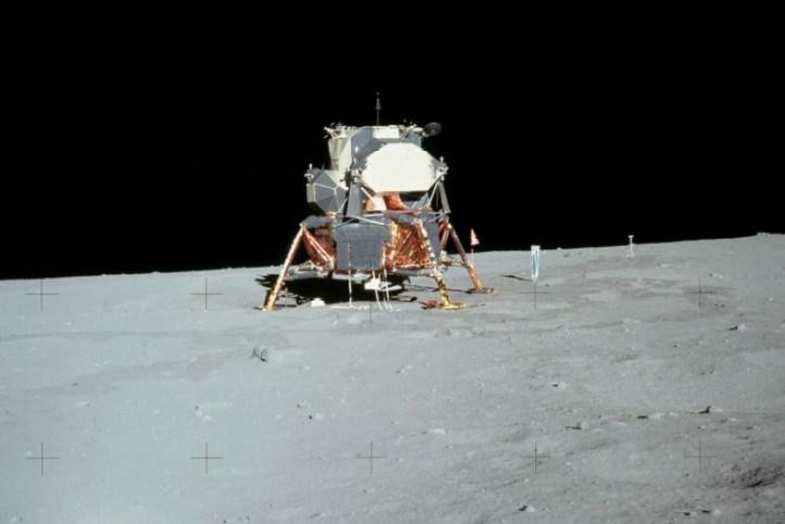 Resultado de imagen para the eagle has landed moon