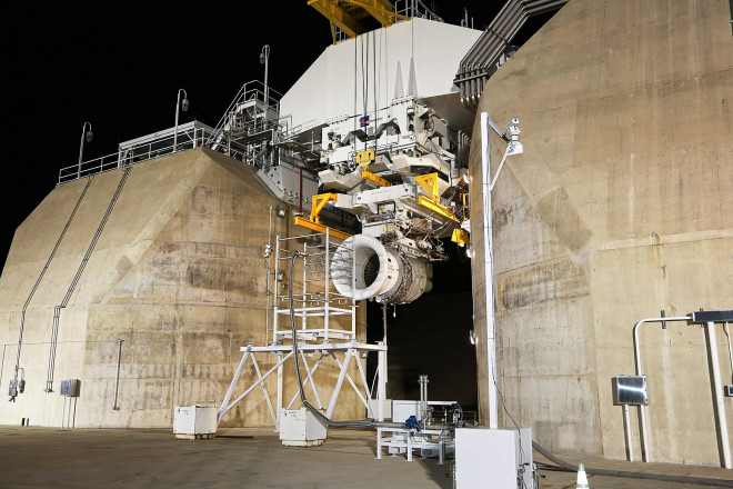 GE Uses Sand From Around the World to Test Its Jet Engines