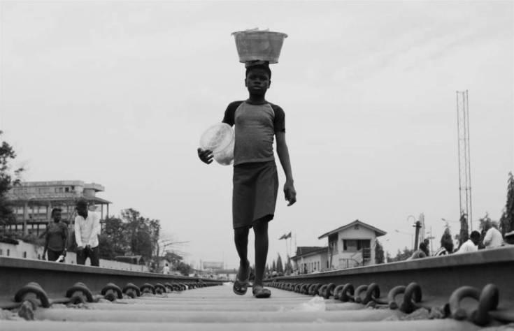 Los negocios ambulantes. Lagos (Nigeria). Foto: Gloyer Matala