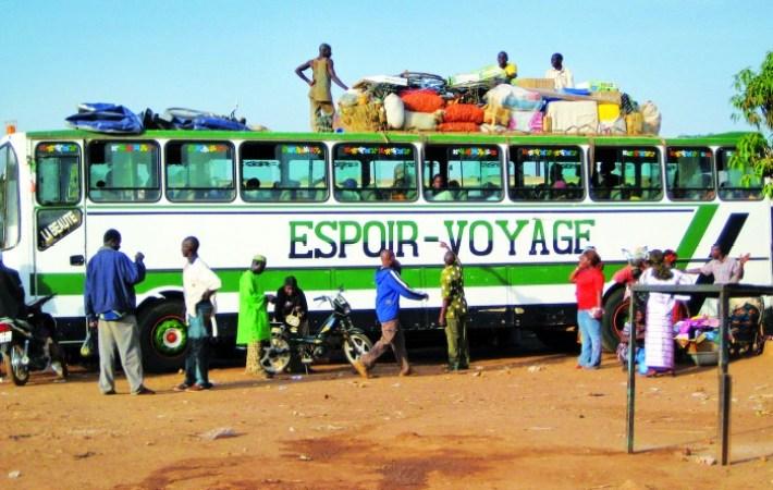 'Viaje de la esperanza', documental seleccionado en la pasada Berlinale, del burkinabés Michel Zongo y que compite en FESPACO.