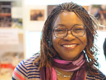 La autora camerunesa Helmey Boum. Fuente: Wikimedia - Wikinade