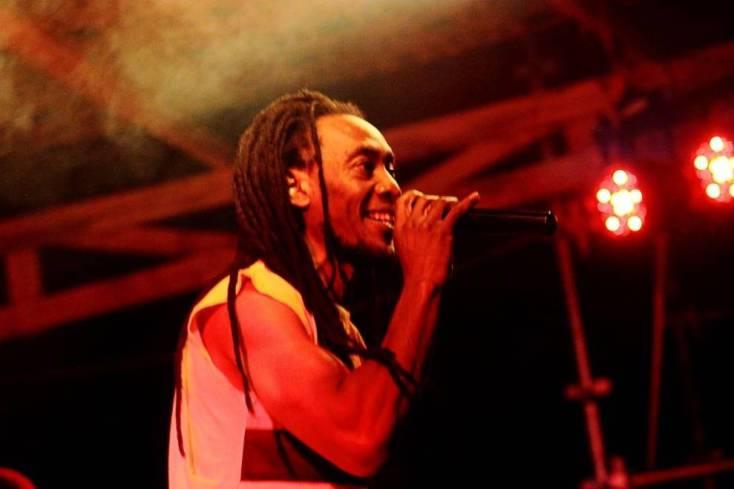 El cantante Sally Nyundo se llevó el premió al mejor reggae de 2013