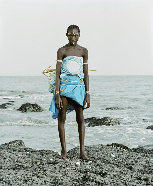 Namsa Leuba, Vili statuette, Fanta, Guinea, 2011