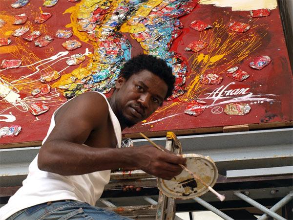 Afran trabajando en Bata.  Foto: Giovanna Macri