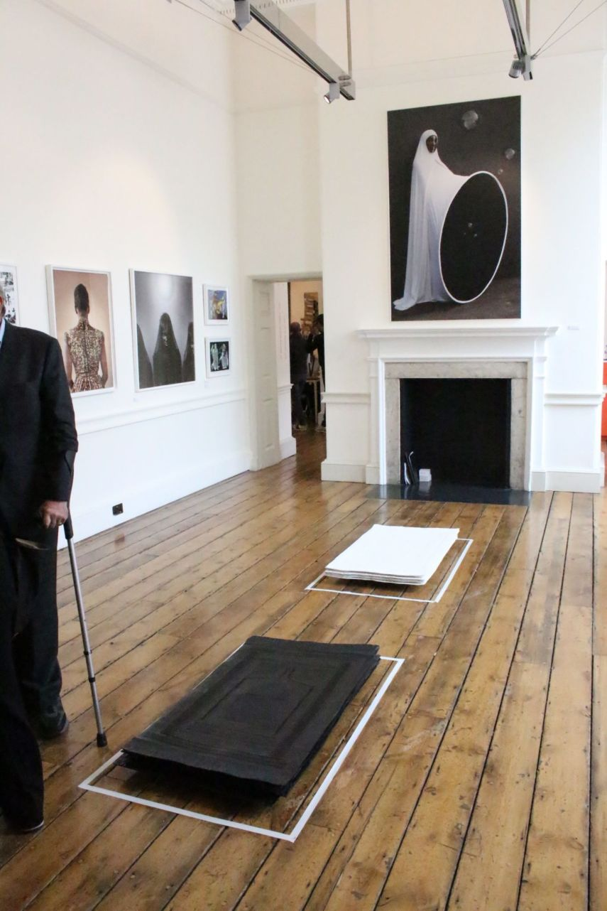 Maïmouna Guerresi en Mariane Ibrahim Gallery