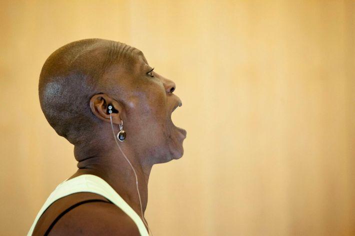 Germaine Acogny, madre de la danza africana contemporánea, muestra en los Teatros del Canal el resultado de su taller. Germaine Acogny, icono universal de la danza contemporánea. Foto de Miguel J. Berrocal.