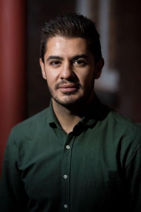 Eiad, de Siria, cuenta el trayecto de Damasco a Londres / Foto: Joyce Nicholls