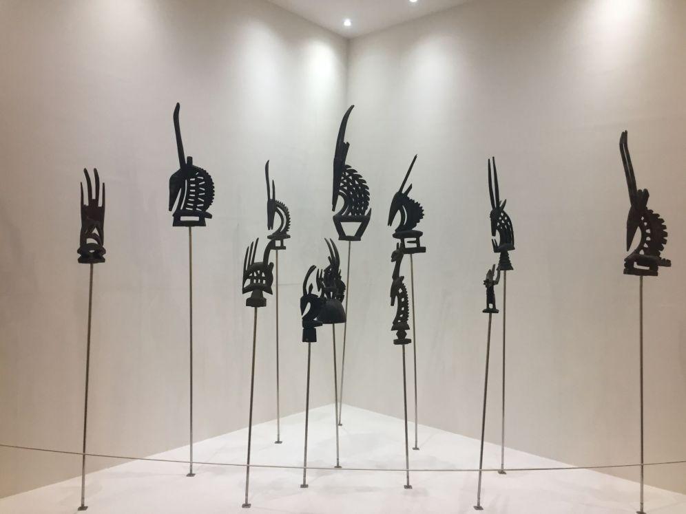 Piezas exhibidas en el interior del Museo de las civilizaciones negras / Fotografía de Alicia Justo.