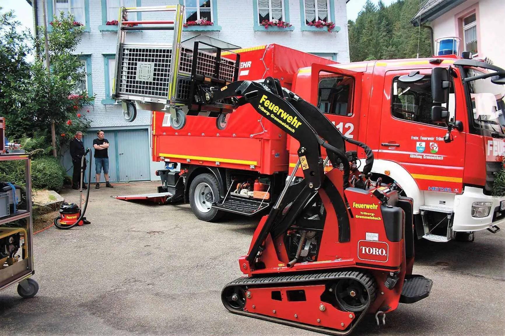 Deutschlandweit erster Feuerwehreinsatz eines Kompaktnutzladers