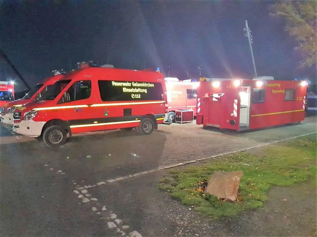 In der Spitze waren rund 50 Einsatzkräfte der Berufs- und Freiwilligen Feuerwehr im Einsatz