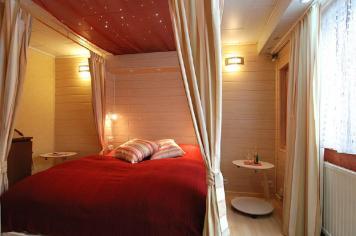 Wirtzfeld Valley Bedroom b12