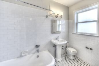 12W-Bath-1