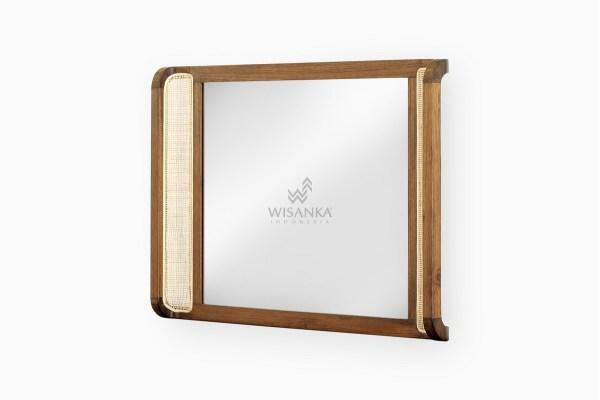 Oksana Mirror