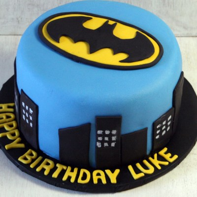 Batman Cake wish a cupcake