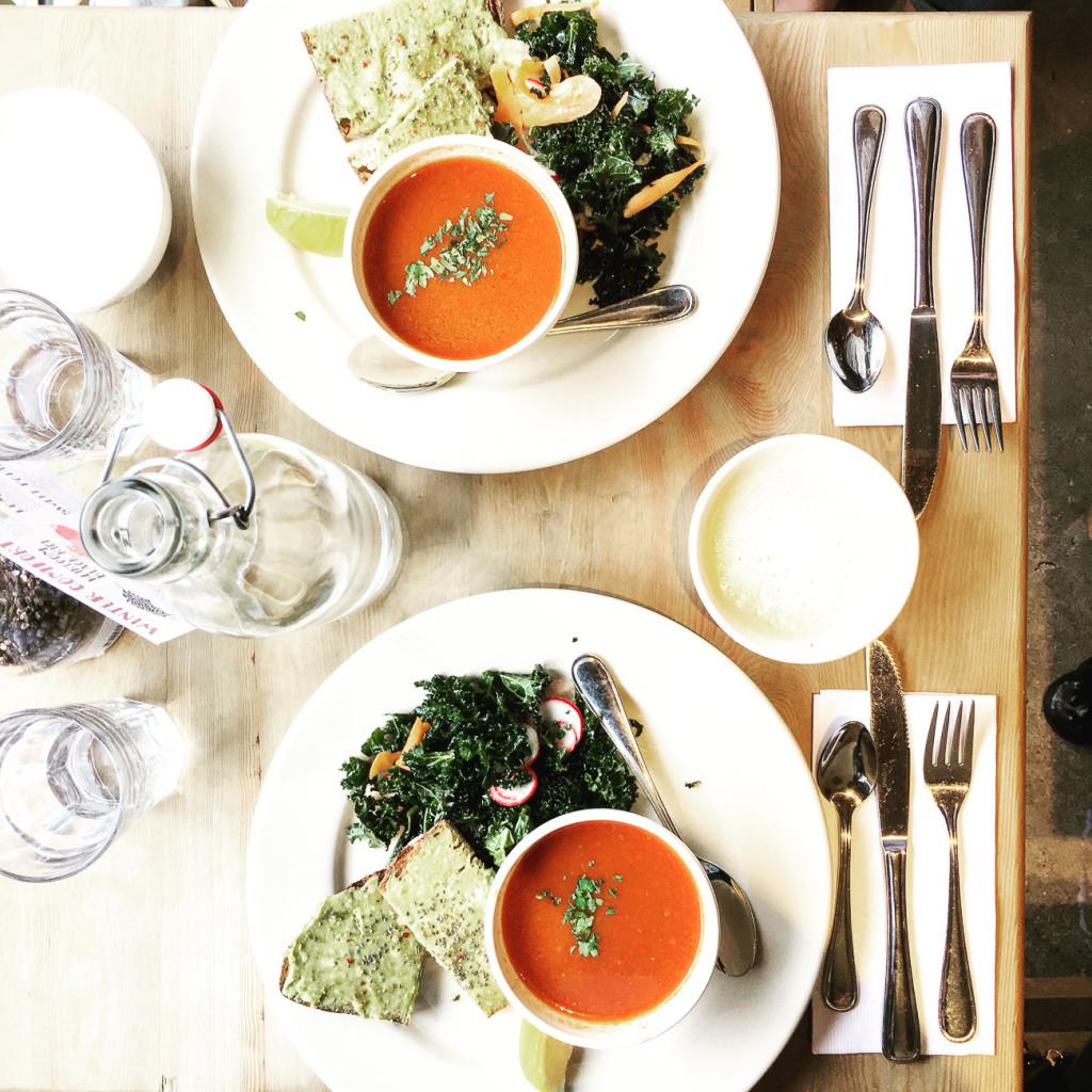 Le Pain Quotidien, chicago lunch spots, old town, old town lunch spots, avocado toast, roasted tomato soup, kale salad