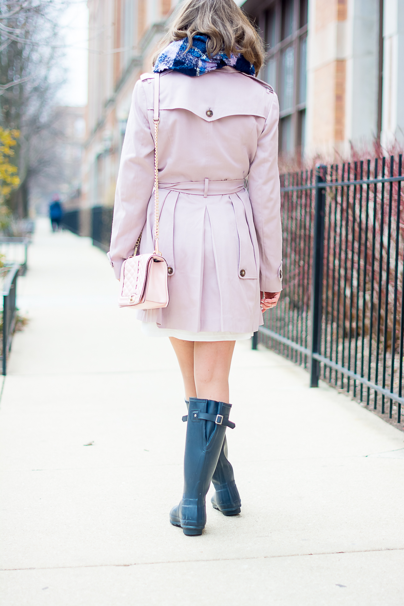 asos pink skater trench with pleates, navy hunter rain boots, plaid scarf, pink rebecca minoff love crossbody, dressing for spring in chicago