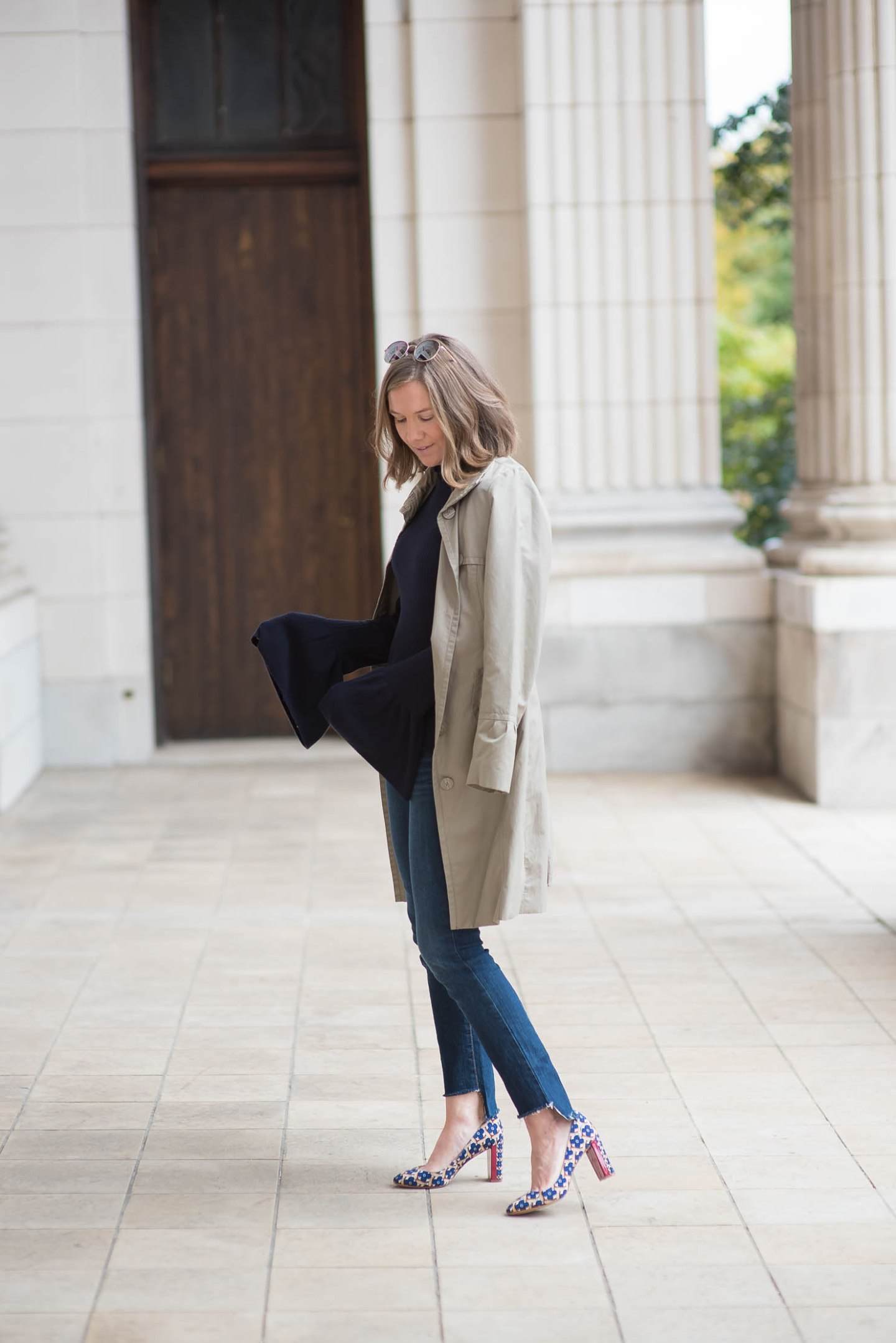 hm-bell-sleeve-sweater-trench-diy-old-navy-step-hem-jeans-printed-pumps-fall-style-fall-layering-fall-fashion-trends-2016