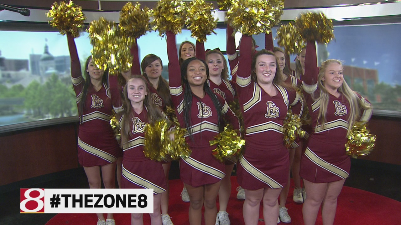 zone-cheerleaders_515096
