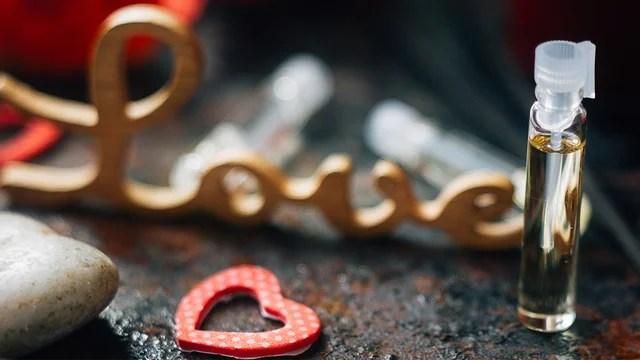 valentines-day-perfume-heart-love_1516311583260_334941_ver1-0_32059953_ver1-0_640_360_803822