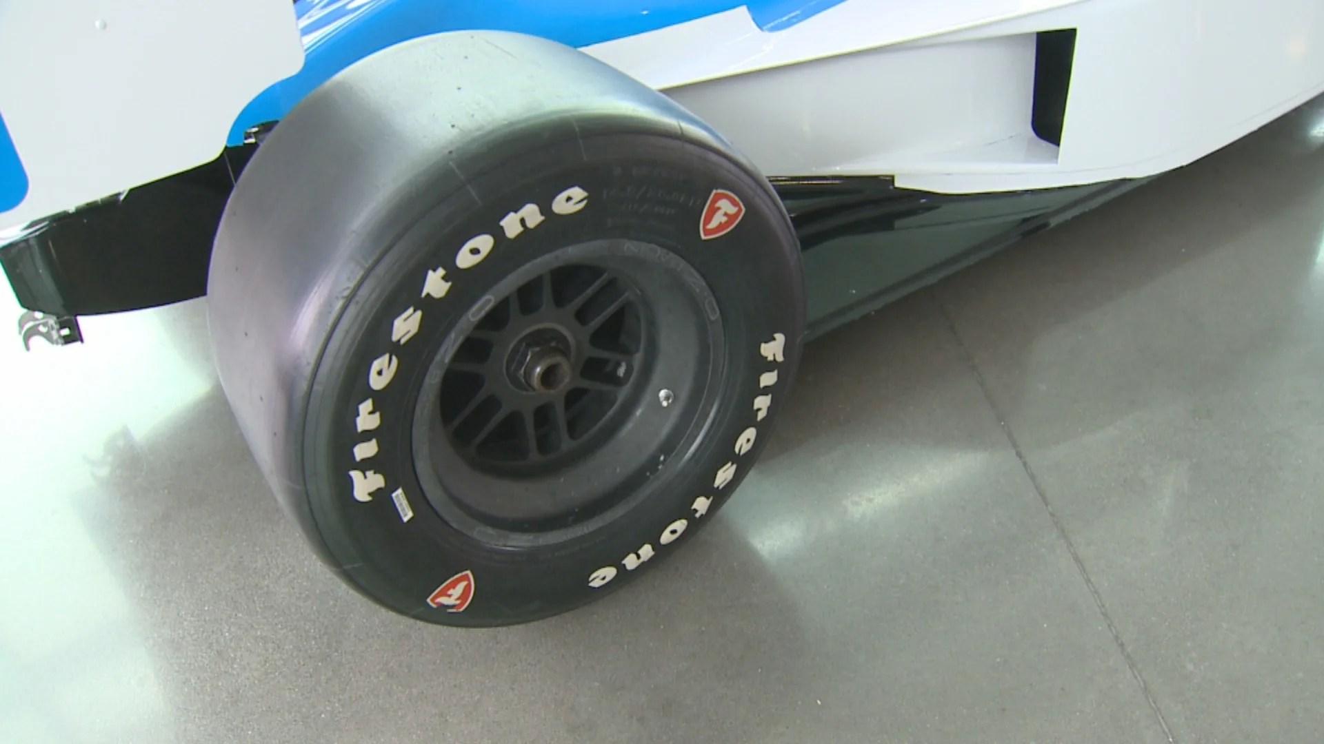 IndyCar, Firestone extend tire deal