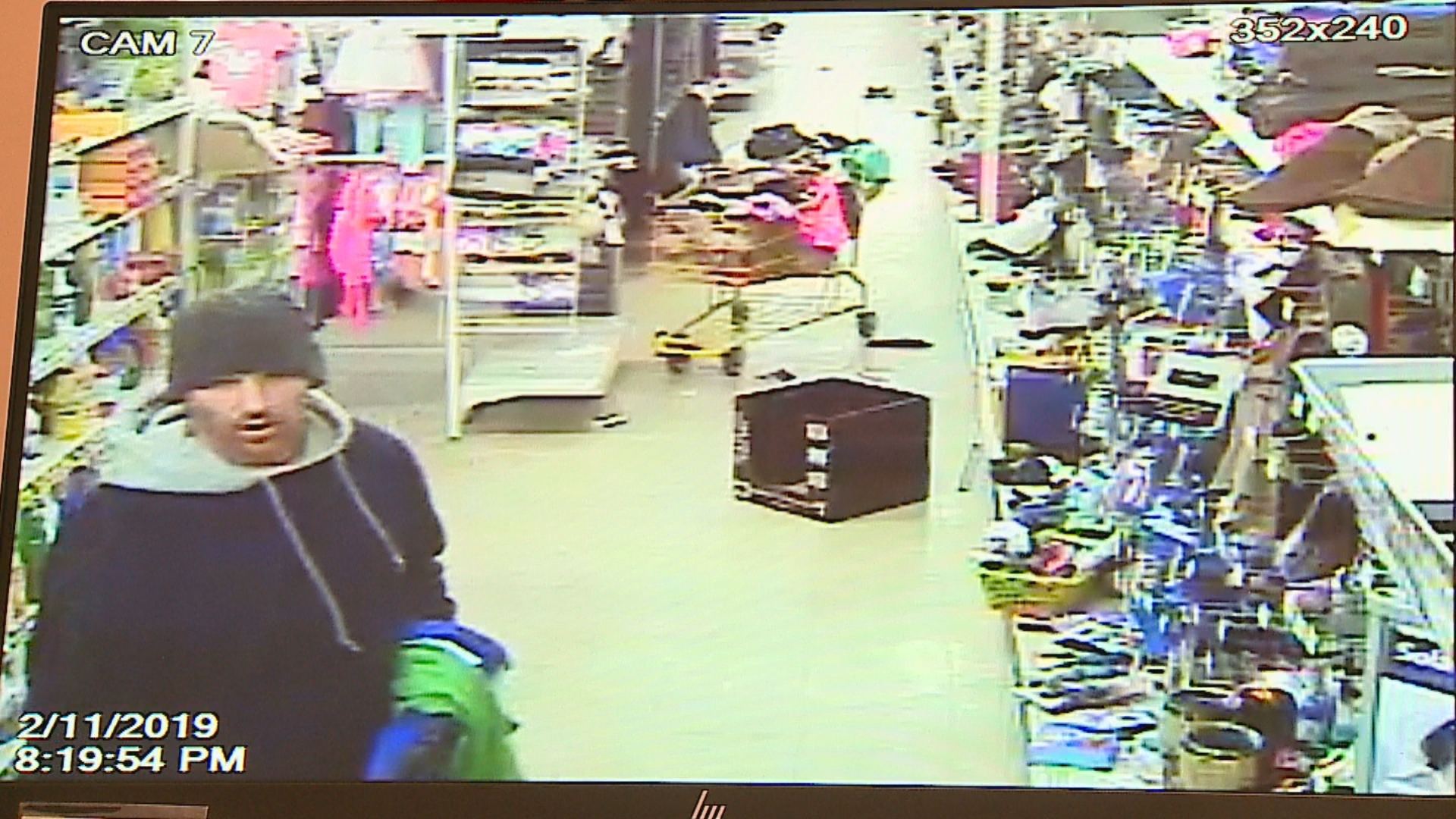 Police in Franklin, Indiana, search for armed robber possibly linked to other crimes