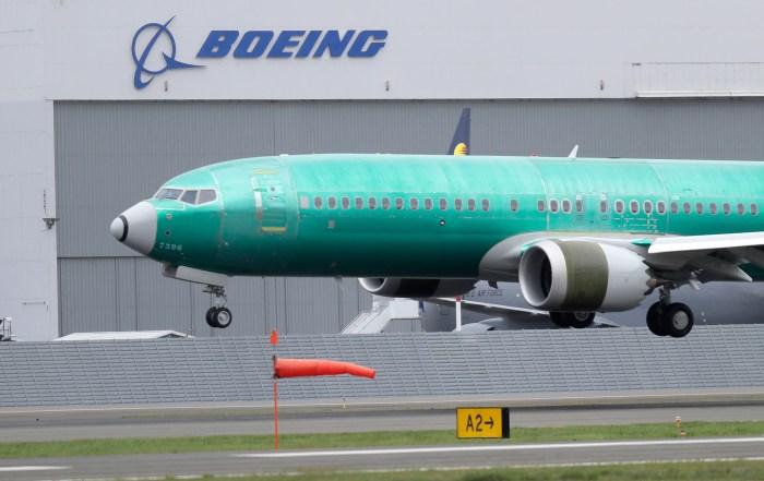Earns Boeing_1556140114283