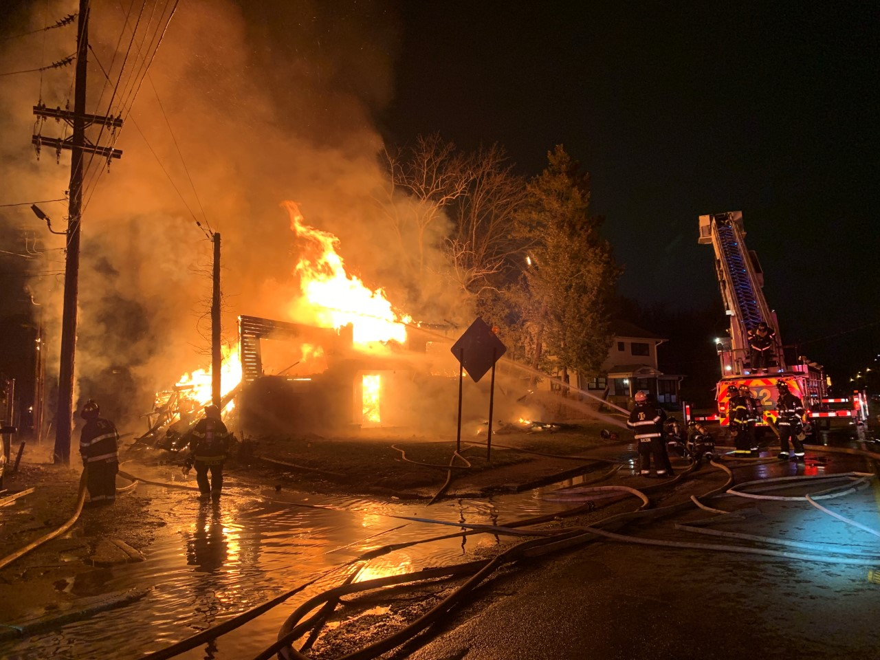 Indy Gas Prices >> Crews respond to near north side building fire - WISH-TV   Indianapolis News   Indiana Weather ...