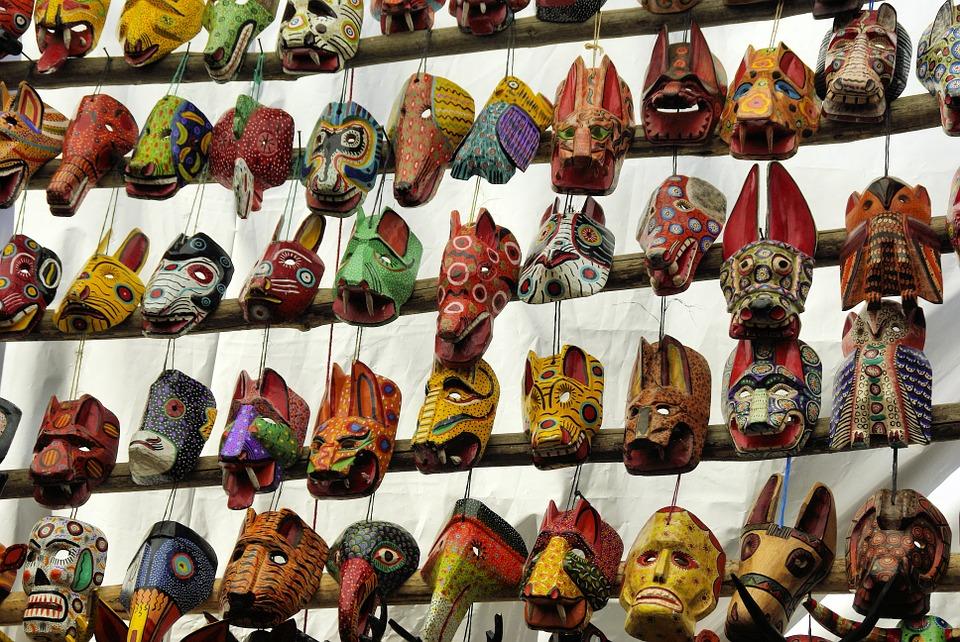 Fünf Bücher aus Guatemala