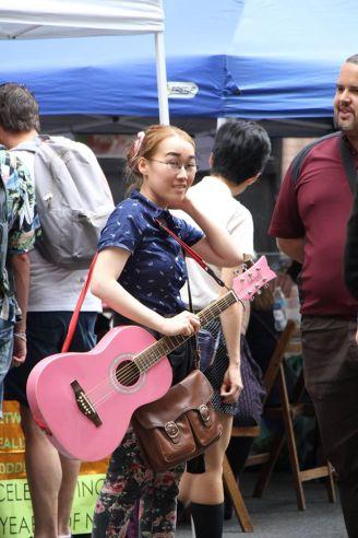 pink guitar1