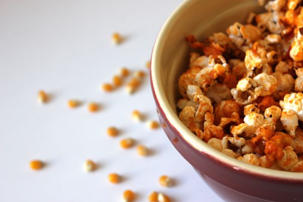 sriracha popcorn | via https://www.withach.com