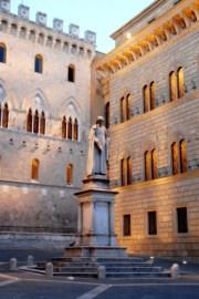 Piazza Salimbeni - Siena