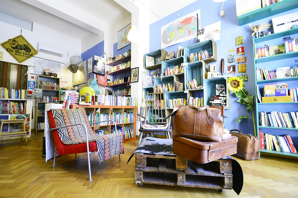 On the Road: a Florentine travel bookstore with added-value