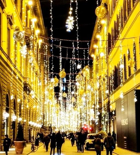 Christmas in Florence, between dreamers and depressed people