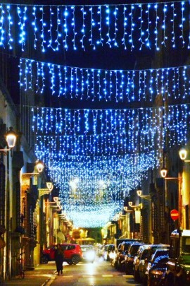 Streets of Florence at Christmas time - via Maggio