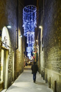 Streets of Florence at Christmas time - vicolo del Giglio