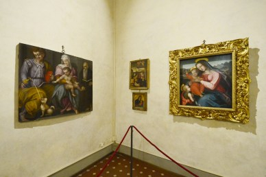 Palazzo Medici Riccardi | Via Cavour 1, Florence | Everyday 9:00 am - 7:00 pm, closed on Wednesday | Admission: EUR7, or EUR10 (Museum + exhibition)