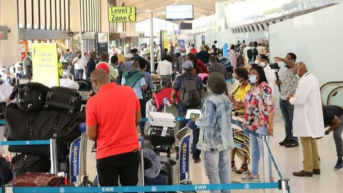 PHOTOS: 322 Nigerians evacuated from the US arrive Lagos